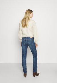 Marc O'Polo - TROUSER MID WAIST - Straight leg jeans - blue denim - 2