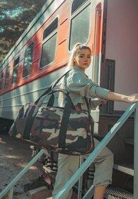 Eastpak - STATION + CORE COLORS - Bolsa de viaje - khaki - 2