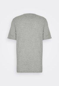 Lyle & Scott - Basic T-shirt - sesame - 5