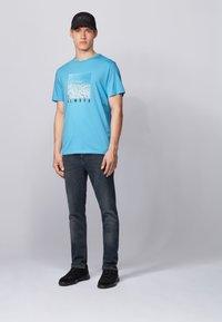 BOSS - TMIX - Print T-shirt - Turquoise - 1