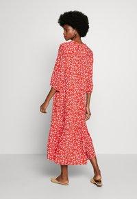 Cream - DAISYCR FLOUNCE DRESS - Day dress - aurora red - 2