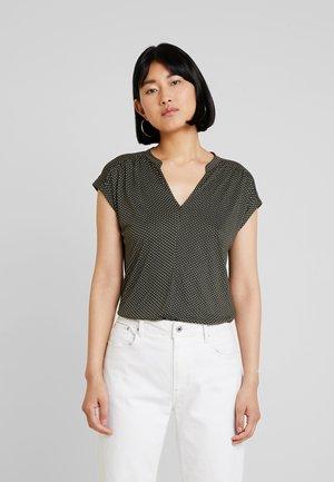 SANDI MINIFLOWER - Print T-shirt - oliv green