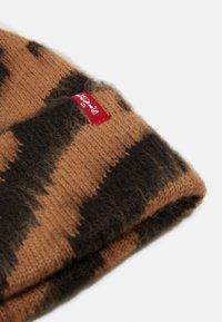 Levi's® - WOMEN'S ANIMAL BEANIE POM POM - Beanie - light brown - 2