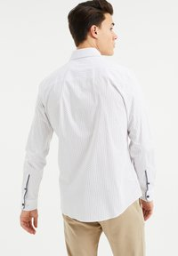 WE Fashion - SLIM FIT  - Overhemd - all-over print - 2