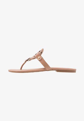 MILLER - Sandály s odděleným palcem - light makeup
