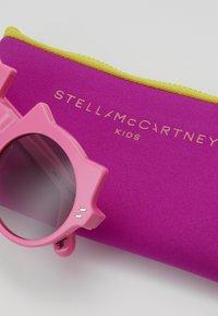 Stella McCartney - SUNGLASS KID - Sunglasses - pink - 3
