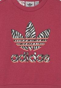 adidas Originals - CREW SET UNISEX - Tepláková souprava - wild pink/glow pink/multicolor/white - 3