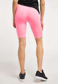 Talence - Shorts - neon pink - 2