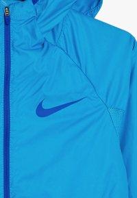 Nike Performance - SPORT JACKET - Větrovka - laser blue/game royal - 3