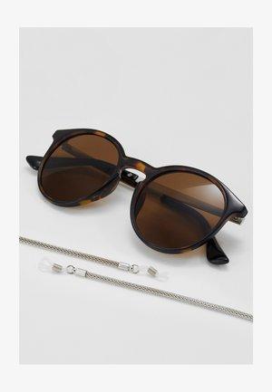 SET mit Brillenkette - Sluneční brýle - brown