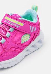 Skechers - MAGNA LIGHTS - Tenisky - pink/multicolor/hot pink - 5