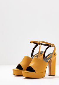 Topshop - RAFA CHUNKY PLATFORM - High heeled sandals - mustard - 4