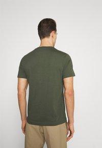 s.Oliver - T-shirt z nadrukiem - khaki/oliv - 2