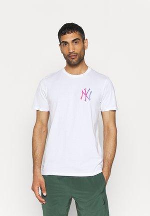 NEW YORK YANKEES NEON TEE - Club wear - white