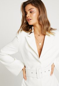 Nly by Nelly - SHARP SUIT DRESS - Etuikjole - white - 3
