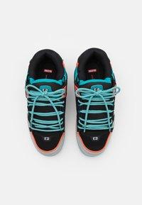 Globe - SABRE - Skateschoenen - black/grey/multicolor - 3