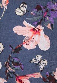 ONLY - ONLNOVA LUX PARIS SINGLET - Top - vintage indigo - 2