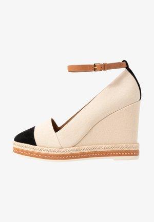 COLOR BLOCK ANKLE STRAP WEDGE - High heels - cream/perfect black/desert camel