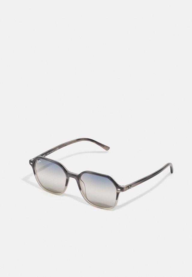 UNISEX - Occhiali da sole - gradient grey havana