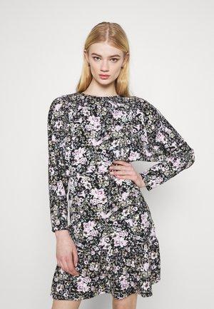 ELLEN DRESS - Jerseykleid - lilac