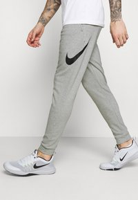 Nike Performance - TAPER - Pantaloni sportivi - dark grey heather/black - 3