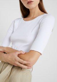 Marc Cain - T-shirt basique - white - 4