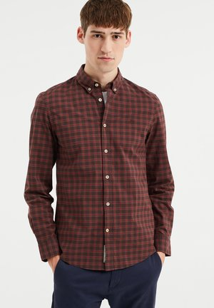 Shirt - vintage red