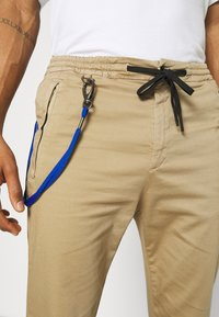 Replay - PANTS - Pantaloni - beige - 5