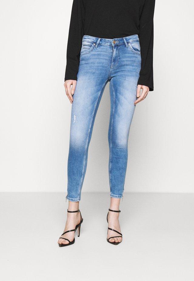 ONLKENDELL LIFE - Jeans Skinny Fit - light medium blue denim