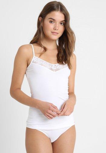 DAMEN SPAGHETTISHIRT - Undershirt - white