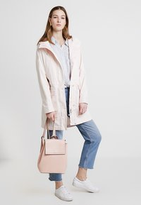 Marc O'Polo - GARMENT DYED HOODED - Parka - rosewater - 1