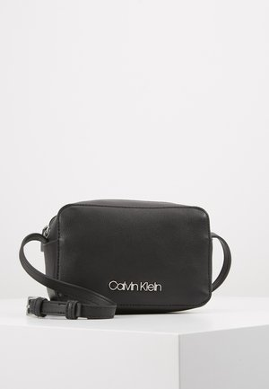 MUST CAMERABAG - Across body bag - black