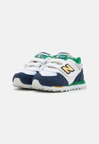 New Balance - IV574NLA UNISEX - Trainers - white/navy - 1