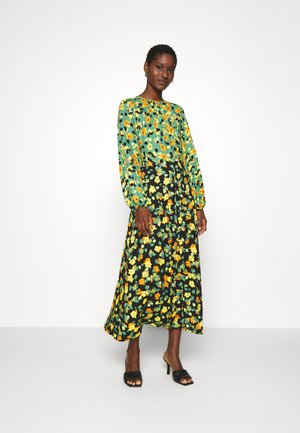 GATHERED NECK A LINE DRESS - Maxi dress - green