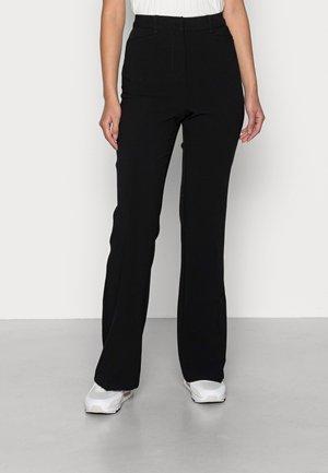 VMKALLY FLARED SOLID PANT - Bukse - black