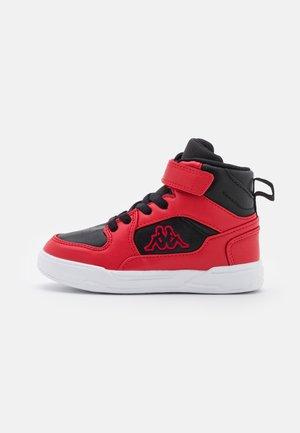 LINEUP UNISEX - Chaussures d'entraînement et de fitness - red/black