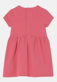 Tommy Hilfiger - BABY ESSENTIAL  - Jersey dress - exotic pink - 1