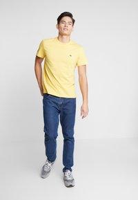 Lacoste - Basic T-shirt - daba - 0