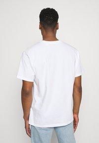 Levi's® - LEVI'S® X POKÉMON UNISEX TEE - Print T-shirt - white - 2