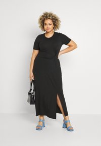 Vero Moda Curve - VMAVA LULU ANCLE DRESS - Maxi dress - black - 1