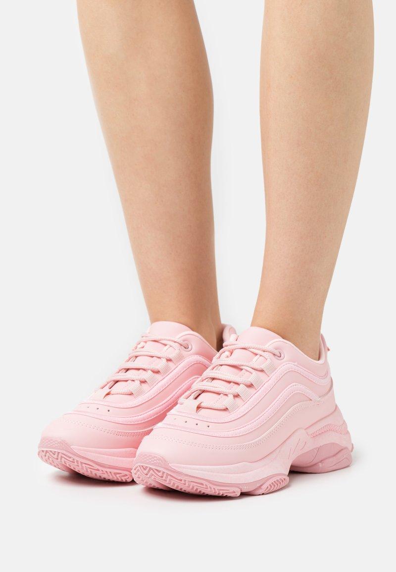 Koi Footwear - VEGAN LIZZIES - Trainers - pink