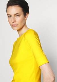 Lauren Ralph Lauren - JUDY - Basic T-shirt - lemon rind - 4