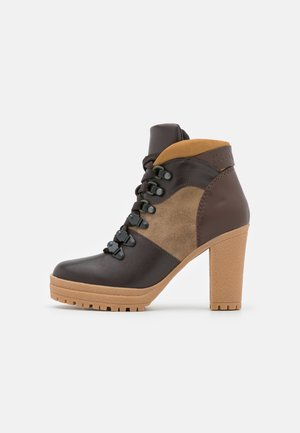 AURE - High heeled ankle boots - texan/nuv