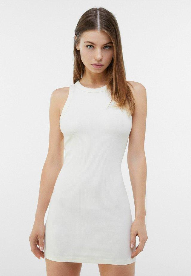 Sukienka etui - nude