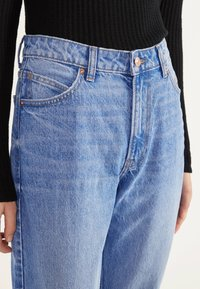 Bershka - MOM - Jeans Straight Leg - blue-black denim - 3