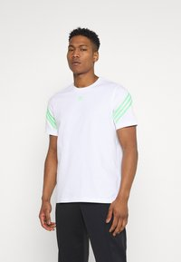 adidas Originals - TEE UNISEX - Print T-shirt - white - 0