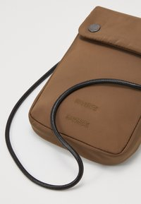 Samsøe Samsøe - MOLO NECK BAG  - Across body bag - shitake - 4