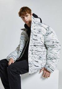PULL&BEAR - Winter jacket - off-white - 5