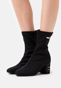 Les Tropéziennes par M Belarbi - CEYLAN - Classic ankle boots - noir - 0