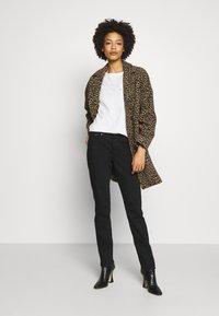 s.Oliver - LANG - Slim fit jeans - black - 1